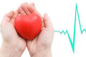 Первая помощь при болях в сердце — алгоритм действий, симптомы сердечного приступа у женщин и мужчин и что необходимо делать
