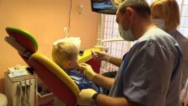 Вывих зуба: полный, неполный и вколоченный, симптомы и лечение, реабилитация