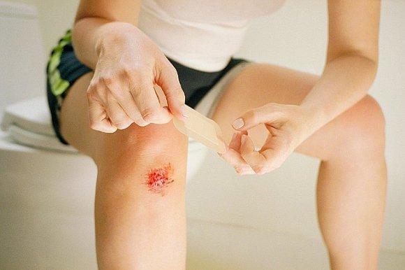 Капиллярное кровотечение: признаки, остановка и оказание первой медицинской помощи при кровоизлиянии капилляров