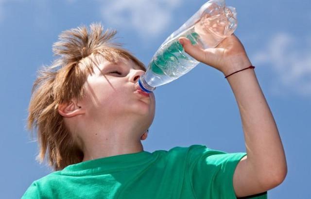 Тепловой удар — симптомы и первая помощь ребенку и взрослым, что делать если человек получил солнечный удар