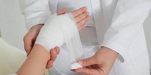 Солевой раствор для гнойных ран: как приготовить и правильно использовать раствор соли для лечения гнойных ран