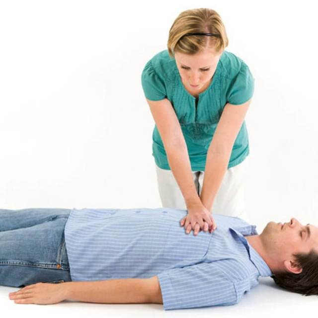 Прямой массаж сердца — техника выполнения, чем отличается открытый от закрытого сердечного массажа и как делается непрямой