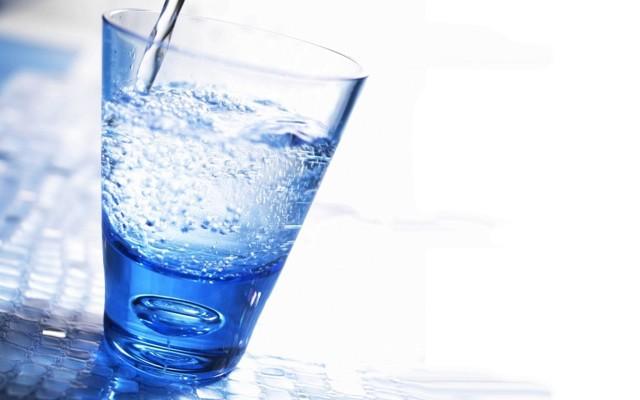 Вред и польза газированной воды (влияние газированных напитков на организм человека), состав газировки и противопоказания