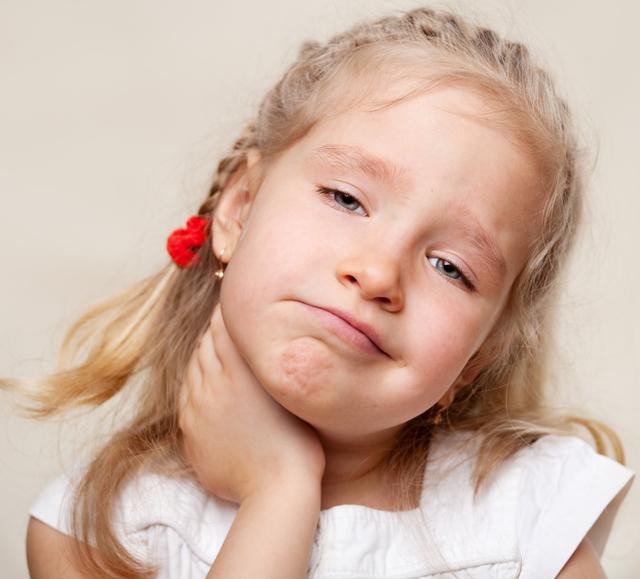 Ларингоспазм у детей — неотложная помощь (алгоритм действий) и симптомы, лечение спазма гортани у взрослых