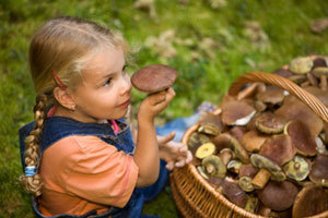 Через сколько часов проявляется отравление — симптомы пищевой и других видов интоксикаций у детей и взрослых