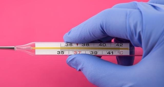 Температура при отравлении у взрослого: сколько держится, что делать и как сбить высокую температуру при пищевом и ином отравлении