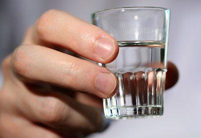 Этиленгликоль: класс опасности, симптомы отравления токсичным веществом и мероприятия по оказанию первой помощи