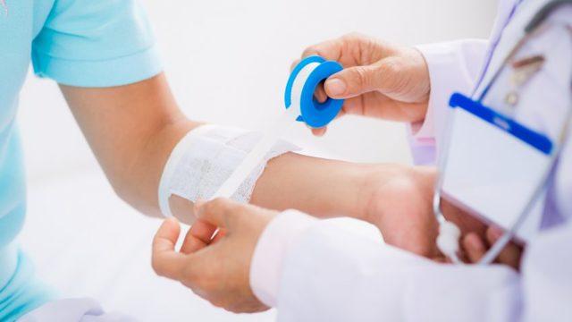 Чем промыть гнойную рану и как обработать: алгоритм обработки и перевязки загноившихся ран