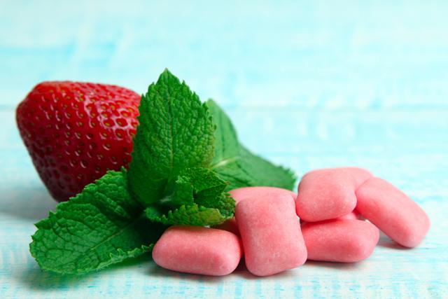 Чем вредна жвачка: польза и вред жевательной резинки, сколько можно жевать жвачку без вреда для организма