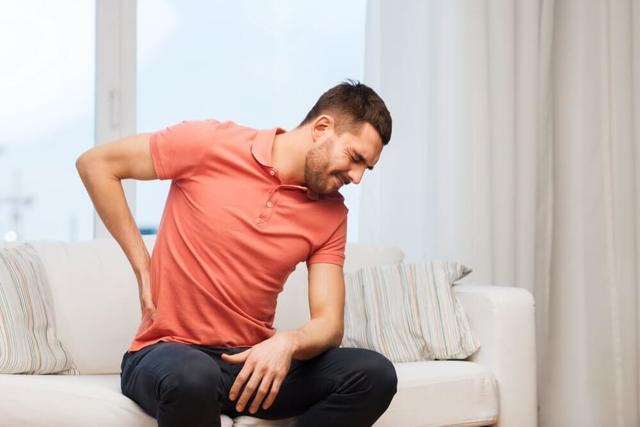 Почечная колика — симптомы у женщин и первая помощь в домашних условиях, неотложная медицинская помощь