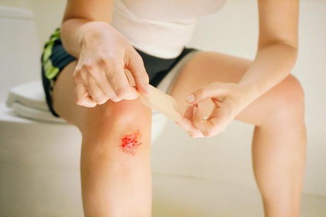 Лечение гнойных ран на ногах: чем обработать травму, антибиотики и другие препараты для лечения загноившихся ран