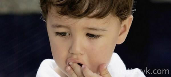 Ребенок проглотил батарейку (таблетку) — что делать и симптомы, может ли ребенок съесть пальчиковую и мизинчиковую батарейку