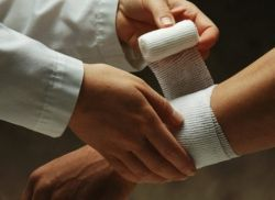 Последствия и осложнения обморожений: как правильно лечить травму и помочь пострадавшему