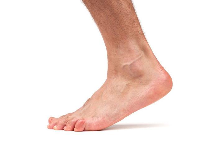 Подвывих голеностопного сустава: симптомы и лечение травмы стопы, первая помощь