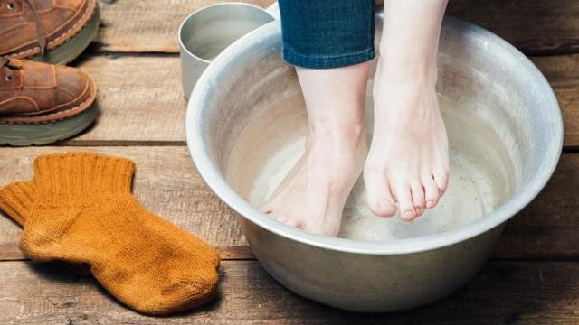Горчичники на ноги, пятки и икры — как правильно ставить взрослым и детям, сухие горчичники в носки на ночь