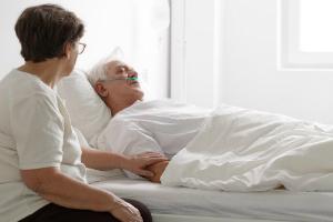 Симптомы гипергликемической комы и алгоритм действий при оказании неотложной помощи, первая помощь при диабетической коме