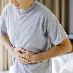 Желудочное кровотечение — симптомы и первая помощь, признаки кишечного кровотечения и как остановить в домашних условиях