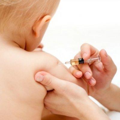 Шрам от прививки на левом плече — почему остается на руке и как удалить, не сформировался рубец от БЦЖ у ребенка и норма