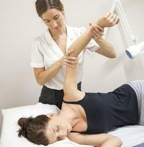 Перелом хирургической шейки плечевой кости со смещение и без: лечение и реабилитация
