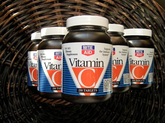 Передозировка витамина С: симптомы переизбытка аскорбиновой кислоты, максимальная суточная доза аскорбинки