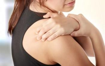 Вывих лопатки: симптомы и степени тяжести, первая помощь и вправление кости, лечение